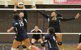 Women's Volleyball Defeats Royals in Four