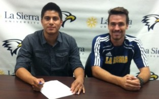 Men�s Soccer Signs Alexis Ramos