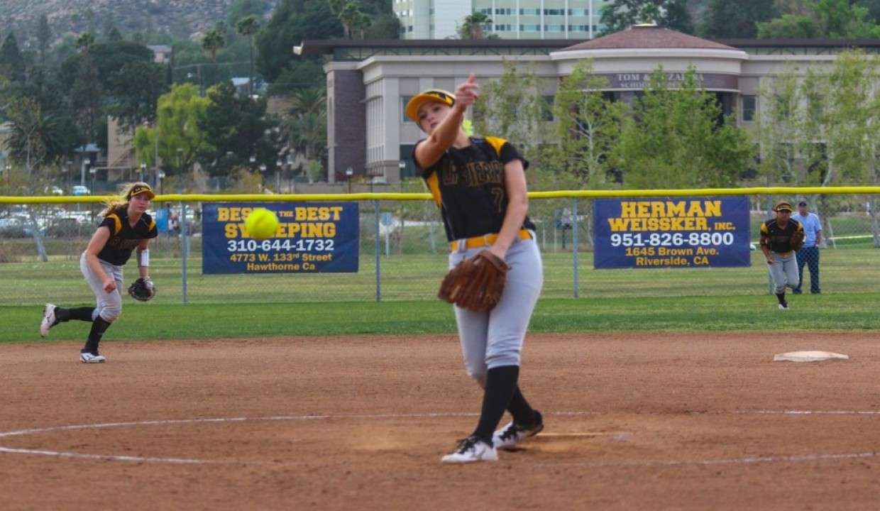 Photo for Golden Eagles Split With Mariners