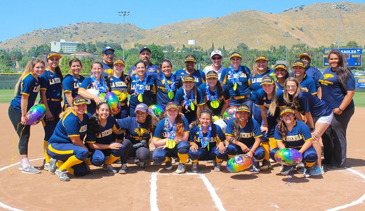 Photo for Golden Eagles Fall To Simpson University In Championship Game