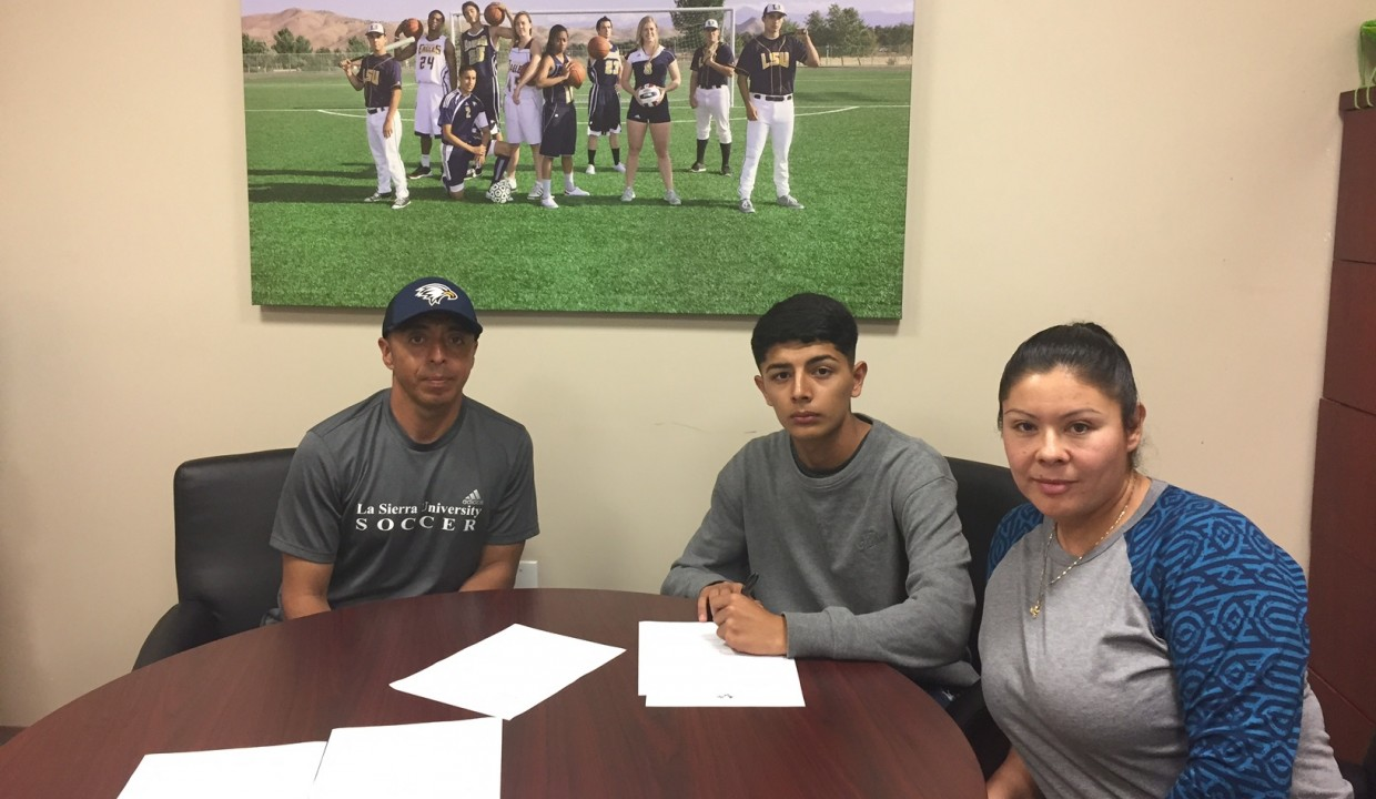 Photo for Men's Soccer Signs Guerrero