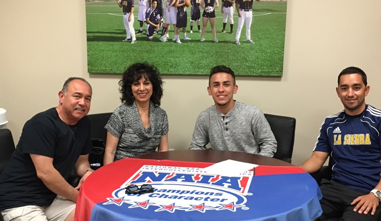 Photo for Men's Soccer Adds Ruiz to '17 Class