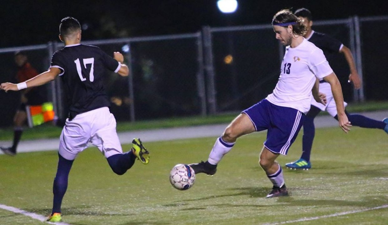 Photo for Men's Soccer Win Second Straight Heading Into Conference Play