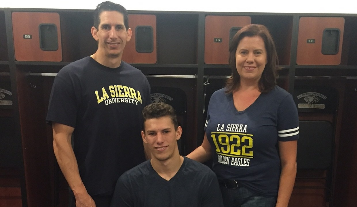 Photo for Jacob Angel Joins Men's Basketball Recruiting Class