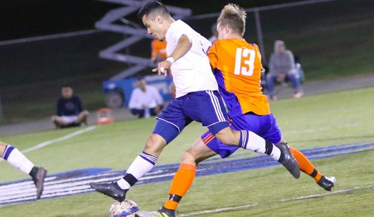 Photo for Men's Soccer Defeat Seabeggars For Fifth Straight Win