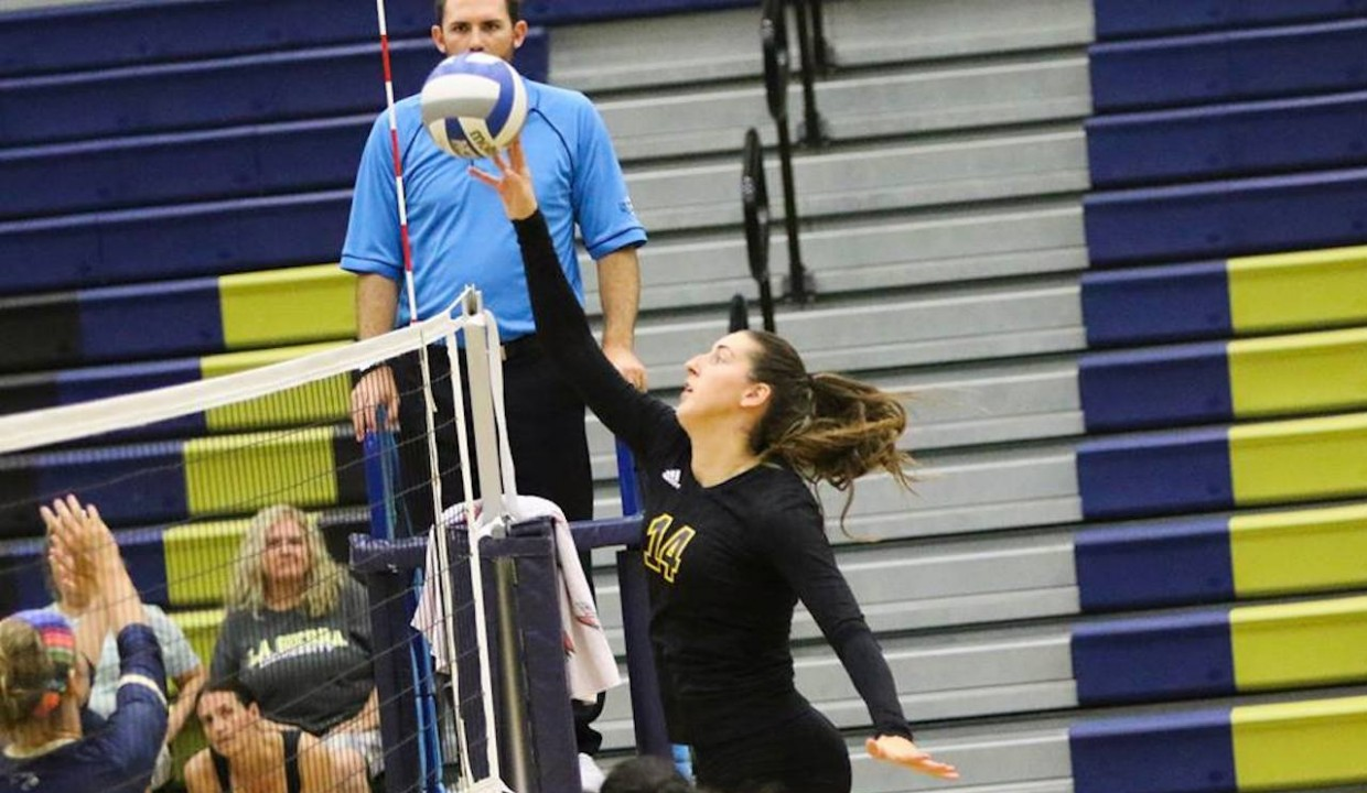 Photo for Golden Eagles Defeat Seabeggars In Straight Sets