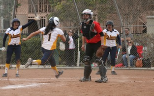Barbara Torres scores the go ahead run